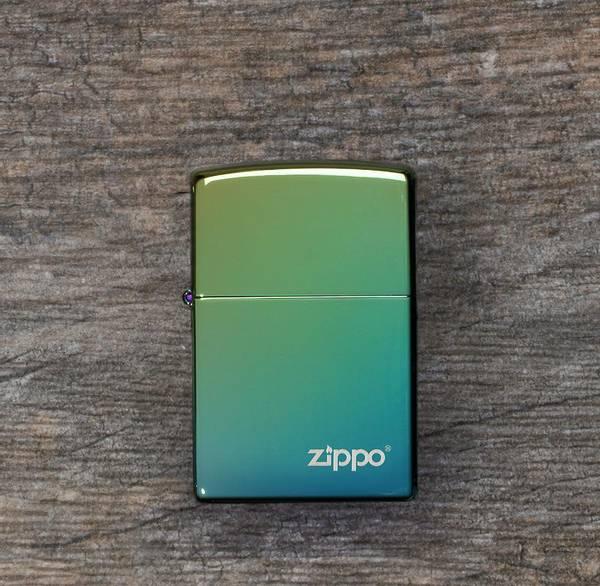 Bilde av Zippo - Klassisk Høypolert Teal Logo - Lighter