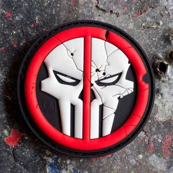 Bilde av Patch - Deadpool Skull Rubber - Rød/Svart